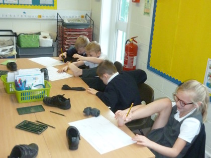 Year 3 T1 Pankhurst - Drawing with our feet