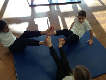 Year 4 T3 Newton - PE Creating sequences in gymnastics